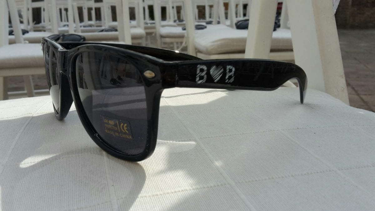sun glases with logo