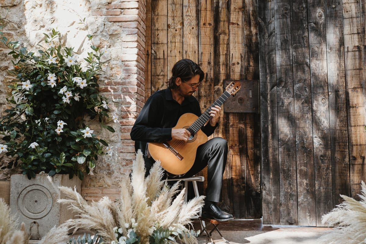 guitar player at wedding in barcelona